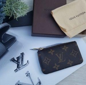 Louis Vuitton key pouch clef Monogram  Genuine